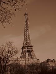#Parigi #torre #simbolo (andrea_giglioli1982) Tags: canon photography torre powershot francia amore parigi simbolo
