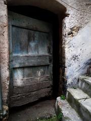 mistero (fotomie2009) Tags: door wood old italy italia liguria porta di rocca legno castelvecchio vecchia ligure ponente barbena