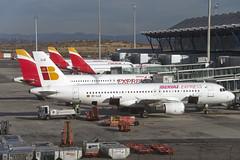 Iberia Liveries (CAUT) Tags: madrid winter españa airport spain arquitectura nikon aviation terminal airbus invierno mad flughafen aeropuerto a320 iberia t4 terminal4 aviacion 2015 airbusa320 d610 lemd caut madridbarajas t4madrid nikond610 winter2015