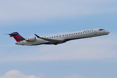 A0041_068 (Vince Amato Photography) Tags: ca canada vancouver britishcolumbia richmond commercial bombardier crj900 vancouverinternationalairport deltaconnection cyvr cr9 crj9 n822sk