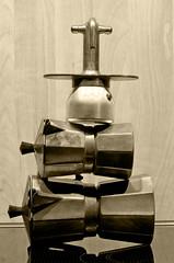 I Musicanti di Crema (italo svevo) Tags: coffee caf sepia nikon tripod kaffee nikkor caff crema langzeitbelichtung seppia stativ treppiedi bremermusikanten poselunghe musicantidibrema triopo nikkoraf70210mm14