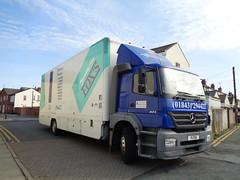 F1FDX Fox's removals on Louise Street, Blackpool (j.a.sanderson) Tags: truck wagon mercedes benz trucks removals wagons 823 foxs axor f1fdx
