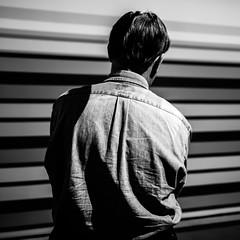 Inertie (sebastien.sosa) Tags: gris dos format homme lignes carr nuances