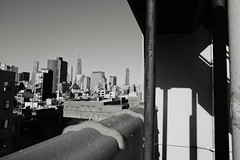 downtown view (Victor Muruet) Tags: victormuruetphotography fotografíavíctormuruet nuevayork newyork lagranmanzana thebigapple victormuruetvíctormuruetmuruetnewyorknew yorknuevayorknuave yorkgranmanzanabig applebigapplegran manzanacityciudad