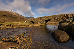 The Kinlochainort River. (Gordie Broon.) Tags: bridge winter river landscape geotagged scotland scenery rocks isleofskye innerhebrides alba scenic paisaje escocia hills february paysage caledonia moll eveninglight schottland ecosse collines a87 colinas scozia 2016 scottishhighlands glamaig heuvels luib lochainort beinndeargmhor snowcappedhills gaidhealtachd scottishwesternhighlands gordiebroonphotography canon5dmklll abhainnceannlochainort canon1635f4l