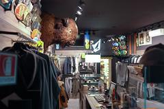 il bisonte nudo (Alberto Cameroni) Tags: negozio vetrina lecco sportswear bisonte abbigliamentosportivo