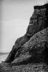 Die Klippen (Manuel Eumann) Tags: ocean sea bw white black nature landscape blackwhite nikon natur baltic sw landschaft ostsee schwarz schleswigholstein norddeutschland weis d610 waabs manueleumann