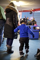 first.timer. (Carl Vignola) Tags: canada hockey canon de mom la kid galeries time quebec mother first skate capitale maman enfant cours patin entrainement 6d nordiques