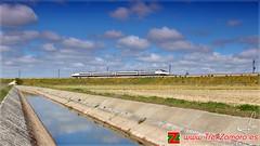 Nuevos trenes visitan Zamora (Ana_Lobo) Tags: primavera canon tren canal ave nubes avant zamora ferrocarril renfe lav riego lnea altavelocidad adif coreses s144 trenzamora