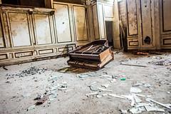 What's Wrong She Said (Thomas Hawk) Tags: usa abandoned unitedstates fav50 michigan unitedstatesofamerica detroit piano artdeco leeplaza charlesnoble leeplazaapartments fav10 fav25 fav100 leeplazahotels