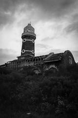 Torre abandonada (tincho.uy) Tags: building tower abandoned blakandwhite blancoynegro monocromo torre edificio structure bn construccion estructura abandonado