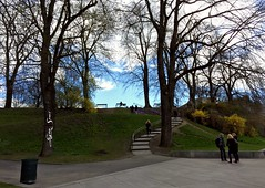 Another nice day... (Esan Semi) Tags: cold oslo norway spring cloudy scene greenery citycentre sentrum