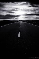 Persiguiendo al Sol (Yezrael Prez) Tags: road sunset sun sol clouds nikon carretera nubes puestadesol len sitios cloudporn momentos nikonphotography leonesp