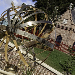 Vivat Regina! (Lawrence OP) Tags: birthday house 90th queen sphere elizabethii dumfries armillary