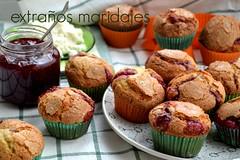 Magdalenas de requesn y  frambuesa 4 (extraosmaridajes) Tags: recipe dessert muffins fruta raspberry ricotta dulce receta mermelada magdalenas requesn magdalenasderequesnymermeladadeframbuesa