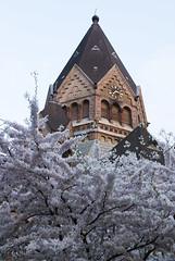 Russische Orthodoxe Kirche (hanz11hanz) Tags: flowers building church architecture germany deutschland spring hamburg kirche hh orthodox oldbuilding hansestadt