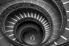 Momo Staircase Down, Musei Vaticani (Annette_C) Tags: vatican rome monochrome statue museum momo staircase bernini proserphina