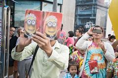 * (Sakulchai Sikitikul) Tags: street thailand sony streetphotography snap summicron songkhla songkran hatyai minion a7s