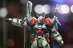 Gundam (MJ Marasigan) Tags: anime japan canon japanese 50mm model power solo armor animation superheroes powers f18 figurine gundam armour comicon toyconvention canonef50mm canoneos450d canonrebelxsi marcjosephgerlandpmarasigan mjmarasigan