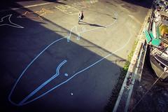 se weil (Gabriel M.A.) Tags: street paris france seine walking chalk fuji shadows 28mm rangefinder whale cropped f4 x20 peniche laseine quaidorsay ahab 16x10