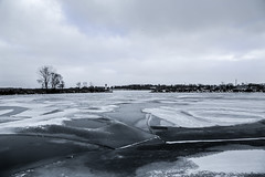 Winter (lnoelle89) Tags: lake ontario marina stcatharines greatlake
