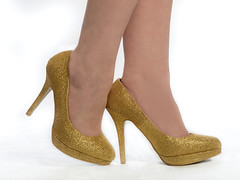 On the town (Stu115) Tags: fashion gold shoes legs heel tall instep