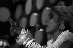 Msica en el alma. Laura Santos. (anamoral) Tags: barcelona portrait white black laura blanco dance y retrato live negro santos musica singer flamenco directo monocromtico tablao cantaora tarantos
