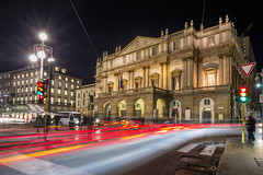 DSC_1759 (The Real Luke Skywalker) Tags: italien italy lights nikon long exposure italia angle milano wide tokina scala mm dx lunga esposizione 2016 1116m d3110