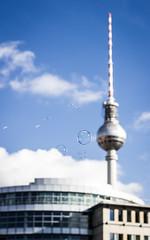 41/366 (phillipgaede) Tags: sky berlin clouds canon 50mm hauptstadt himmel wolken bubbles potd fernsehturm 365 tvtower museumsinsel seifenblasen 366 projekt366 eos600d