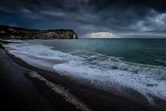 Sale temps (amateur72) Tags: fujifilm xf1024mm cliffs falaises mer pluie rain xt1 etretat normandy normandie