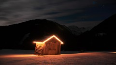 Night mountain's (IdzzDeFlits) Tags: longexposure house stars shutterspeed lightfall nightmountains