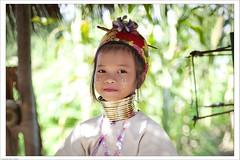 Portraiture (Mauro Fattore - Dreams Photo Art) Tags: travel portrait colors digital portraits canon asian thailand eyes asia colore child digitale colori viaggi viaggio digitalshot