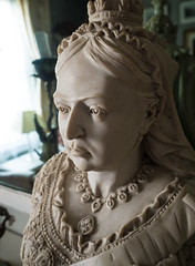 Victoria (S's images) Tags: street victoria queen bust isle simeon wight ryde