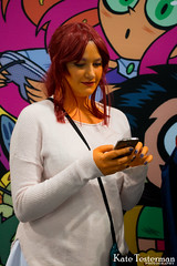 IMG_1999_WC.jpg (ktbuffy) Tags: cosplay starfire wondercon cosplayersontheirphones