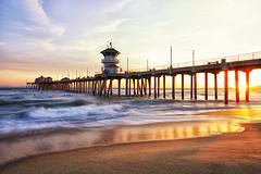 Huntington Beach Pier Sunset (debbie_dicarlo) Tags: sunset oceansunset huntingtonbeachcalifornia huntingtonbeachsunset piersunset