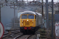 56081 +82305 (tombrown3189) Tags: station grid northampton long shot class 56