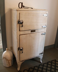 Ice Box (blazer8696) Tags: school usa ice kent spring unitedstates box antique connecticut hill cream ct company machinery freezer cama powerup agricultural association icebox knickerbocker 2016 ecw img7045 kentfurnace t2016