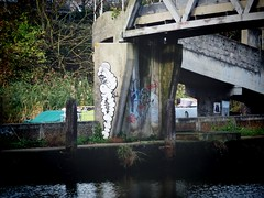 Graffiti, Bow Locks (firstnameunknown) Tags: urban streetart london art river graffiti lea camerabag eastlondon bowlocks camerabag2