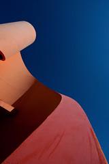 orange wave (marseille n.r.) (jotka*26) Tags: blue shadow sculpture orange france berlin lines architecture tom contrast germany marseille angle funtime rita minimal architektur streetsculpture minimalismo wavy barbera architectura minimaliste persepective miguelchevalier minimalistisch architektuur mevoila jotka26 orangewave archdaily jibbr supermistral charlesbove placearvieux secondenaturesolarise
