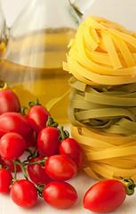 Pasta con tomates cherry (alika1712) Tags: italian tomatoes diner pasta eat oil bunch cherrytomatoes