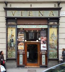 Viena Menjars rapids Fast food (neg_ocio) Tags: cerrado juego letrero antiguo cartel tipografa tradicional negocio