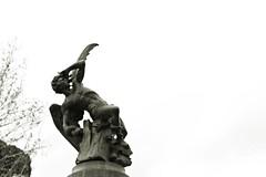 Fuente del Ángel Caído (Kevin_Laden) Tags: madrid monumento fuente estatua retiro angelcaido
