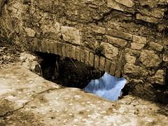 FessuraViva (Francesco_M_85) Tags: acqua seppia fessura stifone