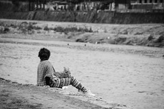 Friends (lenanu) Tags: street city friends people blackandwhite bw dog animal japan river person japanese truth asia asien stream friendship bokeh outdoor streetphotography menschen hund stadt nippon lonely fluss freunde freundschaft nihon tier contemplation einsam schrfentiefe japanisch tiefenschrfe schwarzweis treue besinnung drausen einkehr lenanu