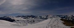 Baqueira a la luz de Selene (David Andrade 77) Tags: espaa moon snow ski sport spain nieve luna deporte moonlight neige beret espagne skier pyrenees baqueira pirineos pirineo valdaran pyrinee valledearn aranvalley esqudetravesa skirandonee esqudemontaa skieurope costarjas