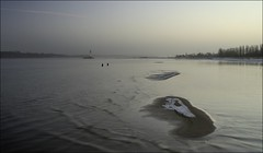 more contemplation (liebeslakritze) Tags: winter sunset lighthouse wasser sonnenuntergang fishermen calm bluehour leuchtturm sundaywalk contemplation angler blauestunde frde falckenstein windstille