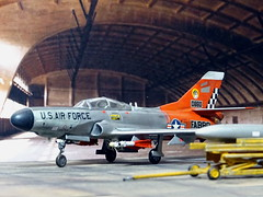 1:72 Lockheed F-94E Starfire, aircraft FA 880/Bu. No. 56-0880  of the 57th FIS Black Knights, US Air Forces Iceland, Keflavik AB, 1959 (Whif/Emhar kit conversion) (dizzyfugu) Tags: orange snow cold metal iceland wings model war fighter conversion north ab evolution 63 retro international falcon finish heller starfire kit keflavik f80 usaf 172 interceptor squadron 57th silber whatif modellbau t33 afterburner nmf p80 whif f94 kitbashing f68 j48 gam1 aim4 gam2 dizzyfugu emhar