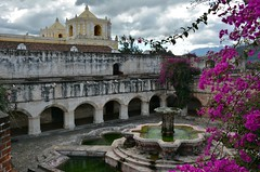 Antigua: Iglesia y Convento de La Merced (zug55) Tags: church fountain guatemala colonial fuente iglesia bougainvillea unescoworldheritagesite unesco worldheritagesite antigua cloister baroque iglesiadelamerced templo barocco centralamerica claustro lamerced antiguaguatemala patrimoniodelahumanidad laantigua santiagodeloscaballeros lamercedchurch americacentral ourladyofmercy conventodelamerced laantiguaguatemala nuestraseoradelasmercedes ordenmercedaria santiagodeloscaballerosdeguatemala iglesiayconventodelamerced orderofmercy iglesiadelconventodelamerced juandediosestrada