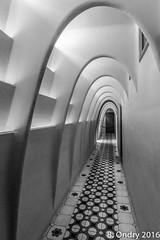 Barcelona : dans les couloirs de la Casa Batllo, de Gaudi...