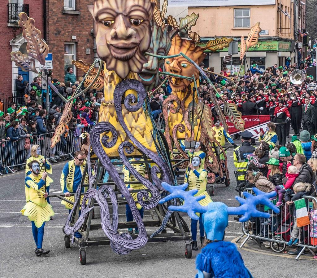 Dowtcha Puppet's At The St.Patrick's Parade [Dublin 2016]-112513